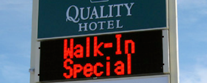Hotels & Motels Upgrading to Programmable LED Signs